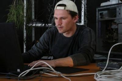 Monitoraggio di Computer, Computer Monitoring, Monitoreo de Computadora
